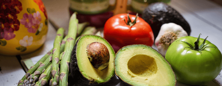 Obst und Gemüse sind wichtige Zutaten in Bezug auf das Mittagessen