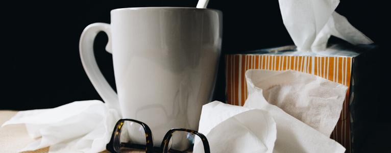 Taschentücher und Tee